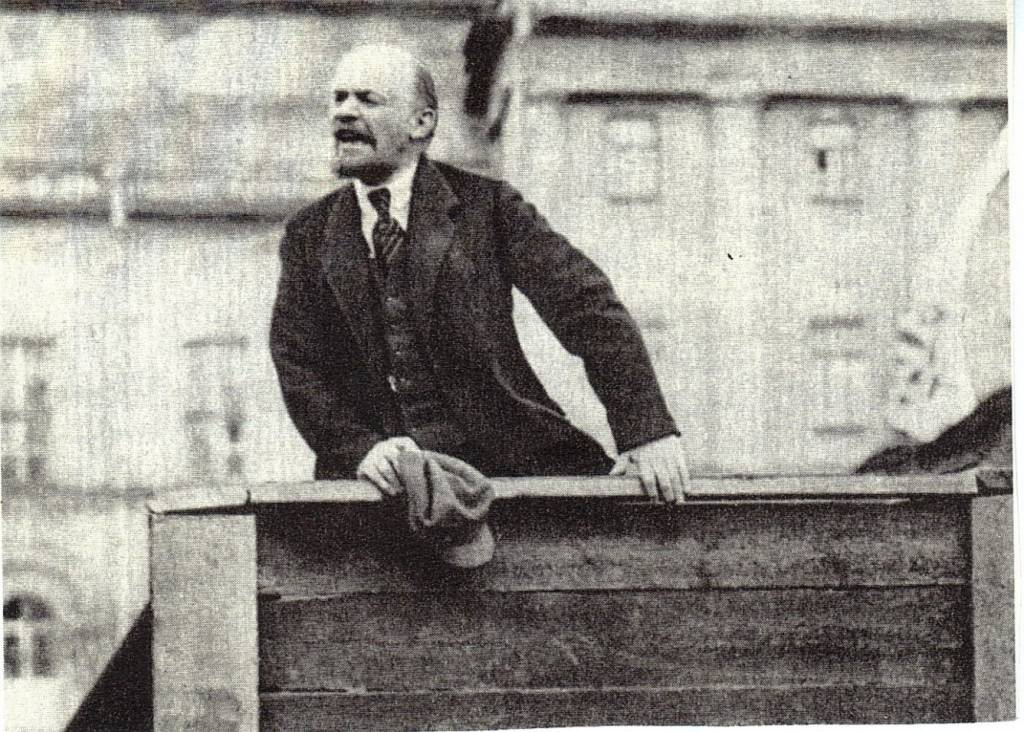 vladimir lenins childhood revolutionary activities government formation and death The russian communist revolutionary and politician vladimir lenin began his active revolutionary activity in 1892, and continued till assuming power in the russian revolution of 1917.